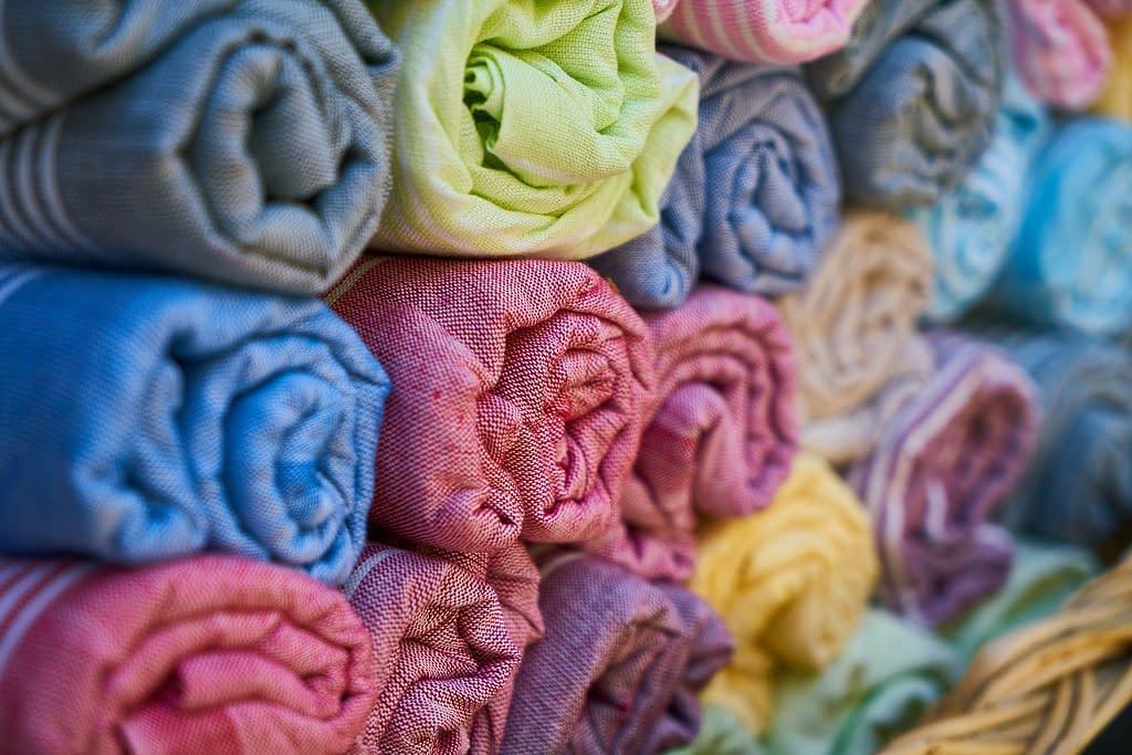 towel 1838210 1920 - Teñirte el pelo en casa de manera fácil
