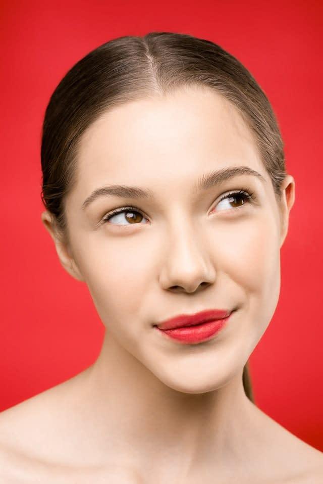 pexels shiny diamond 3762772 1 - Tipo de labios y como maquillarlos